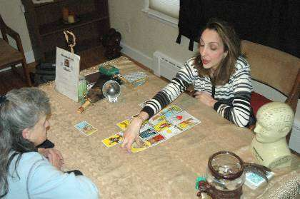 can a psychic reading tell my future